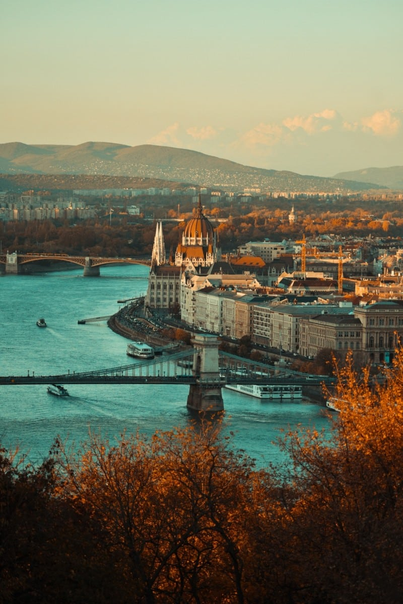 What's the origin of the Hungarian language?